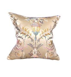 Подушка декоративная с рисунком в ассортименте