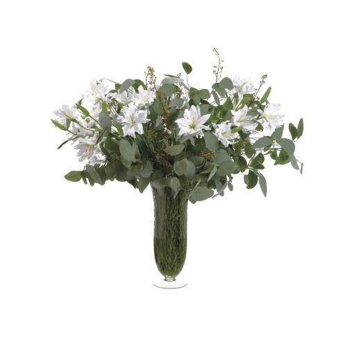 Композиция из белых лилий и эвкалипта в вазе
