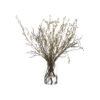 Композиция из цветущих ветвей в вазе